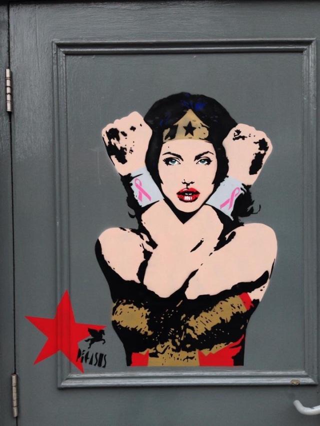 Superwoman, graffiti